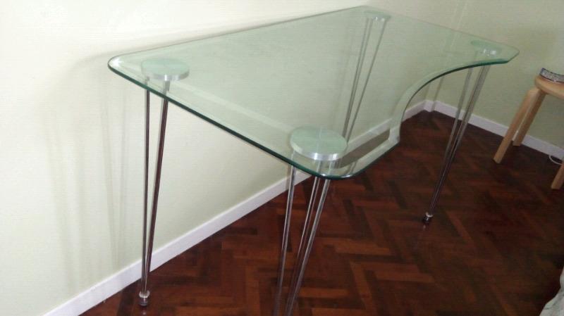 Vendo/permuto escritorio/mesa de vidrio