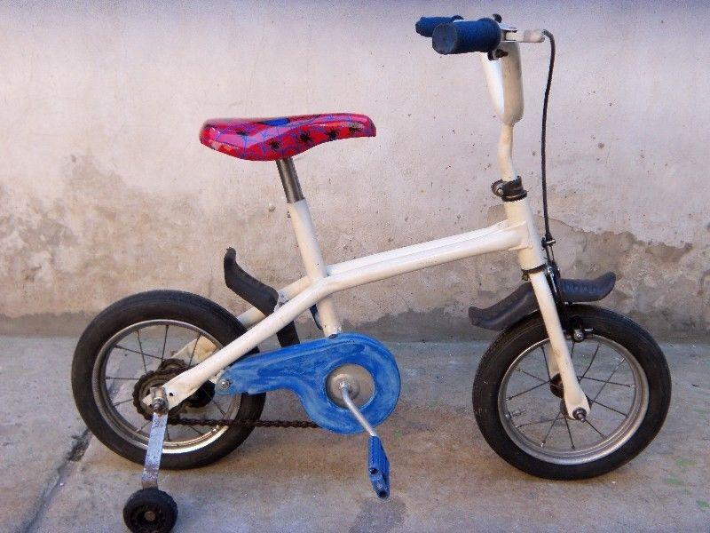 bicicleta para niño chiquita usada buen estado con rueditas