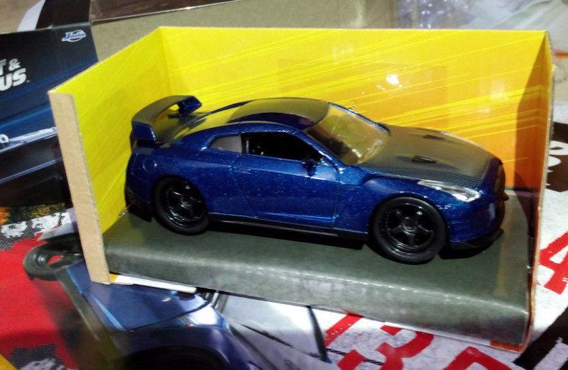 Auto escala 1/32 Rapido y Furioso Nissan azul