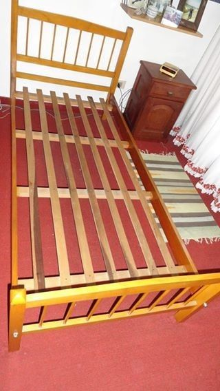 Vendo cama de una plaza + colchón