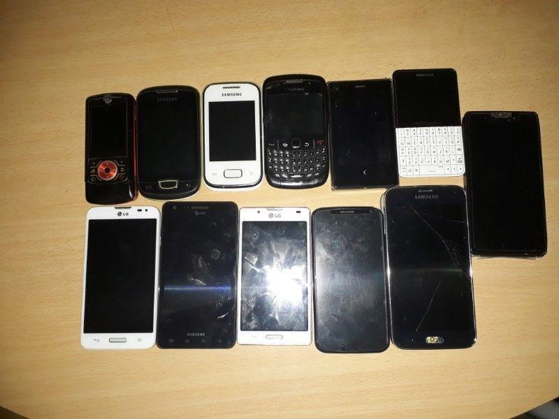 Vendo lote de 12(doce) celulares para reparar