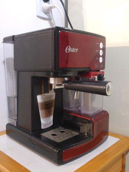 Cafetera Expresso Oster Primalatte