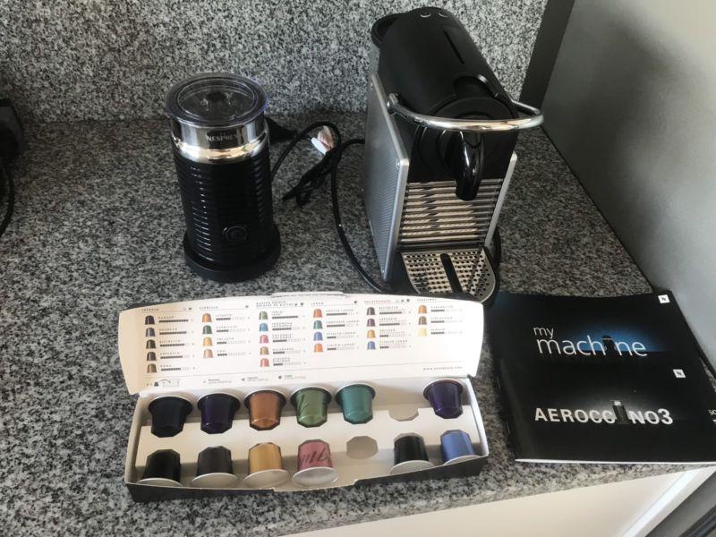 Cafetera nespresso pixie aluminium + aeroccino
