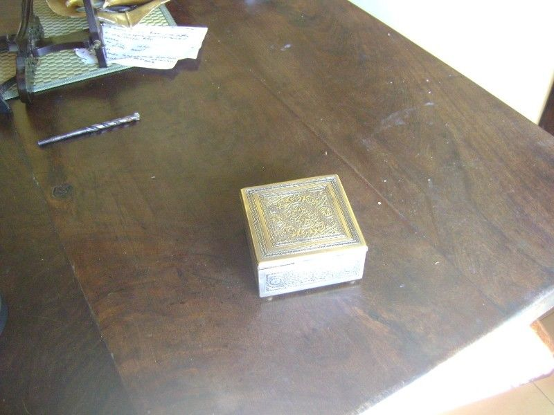 Antiquisima Caja De Madera Recubierta En Bronce