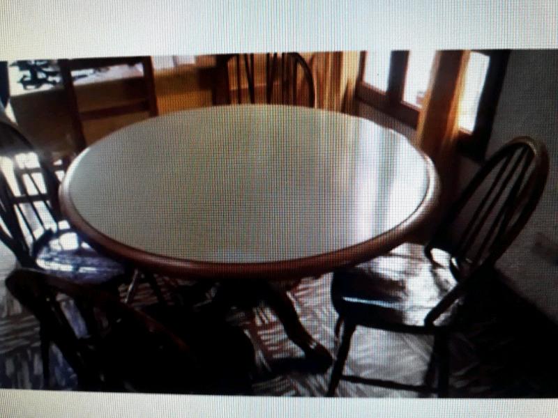 Mesa winsor con 4 sillas