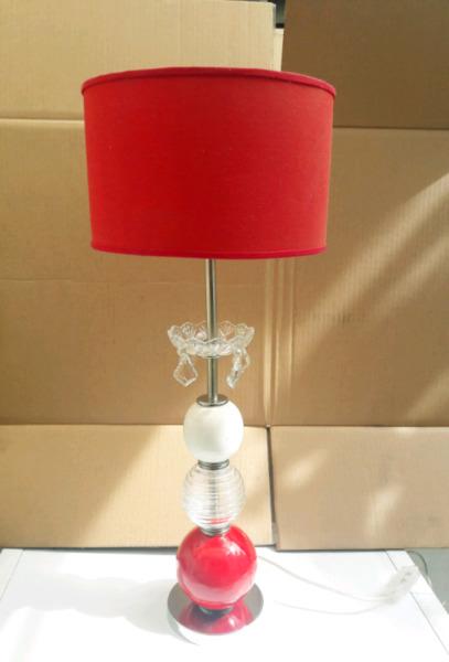 Velador o lampara de mesa