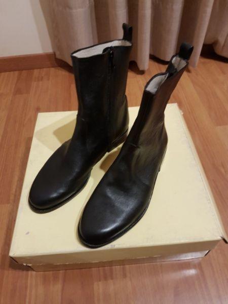 Vendo Botas vestir negra nuevas