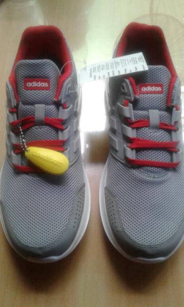 Vendo zapatillas adidas originales de hombre