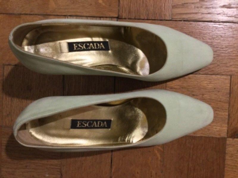 Zapatos Italianos Escada Gamuza Verde Agua 37 B Alto Palermo