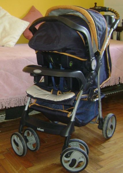 Cochecito Infanti con huevito para el coche + Cobertor p/