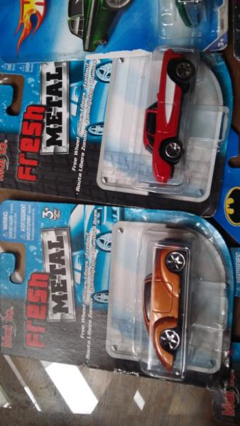 Coleccionables Vende Autos en escala 1/64 **