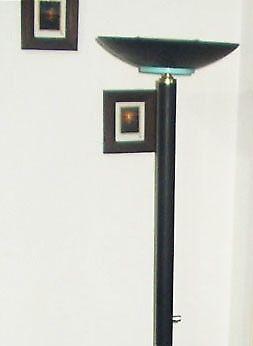 Lámpara de Pie Moderna Excelente estado, Funcionando con