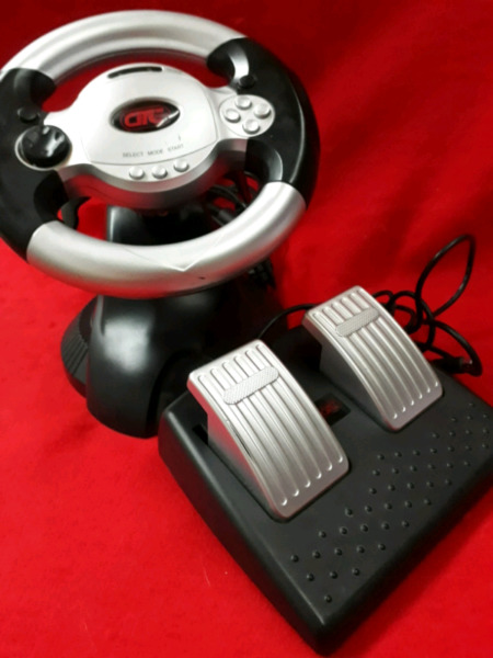 Vendo Volante con pedalera para PC y Play 2