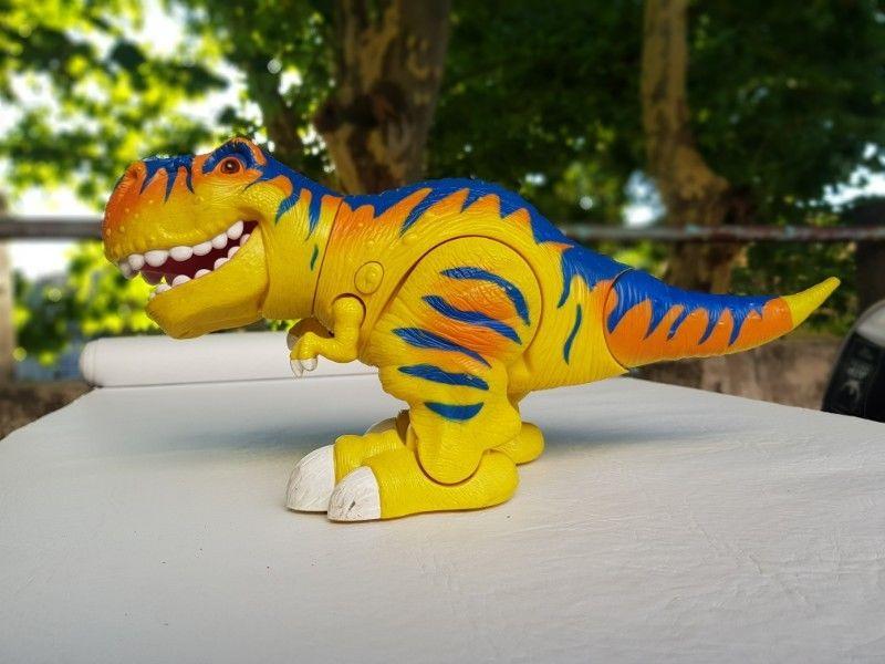 dinosaurio control remoto impecable