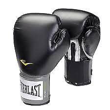 Bolsa de boxeo everlast y guantes