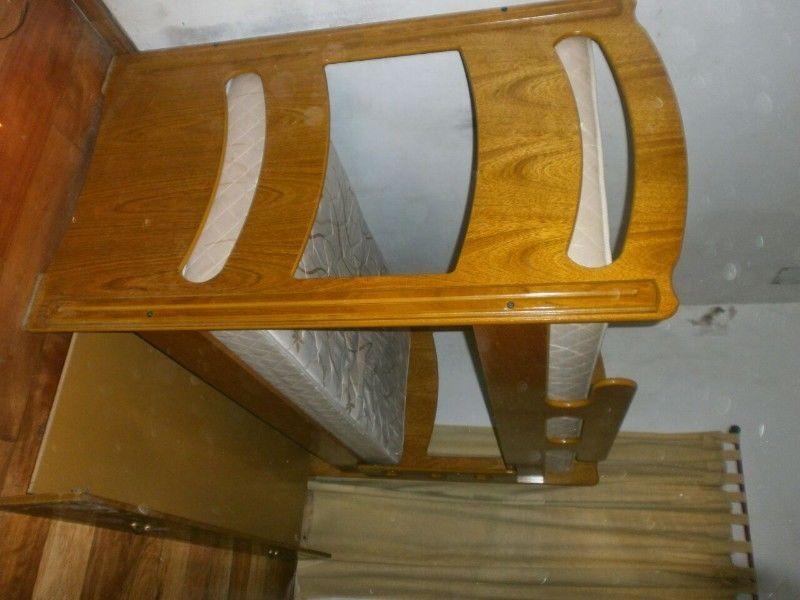 Cama cucheta de madera con cama abajo impecable acepto