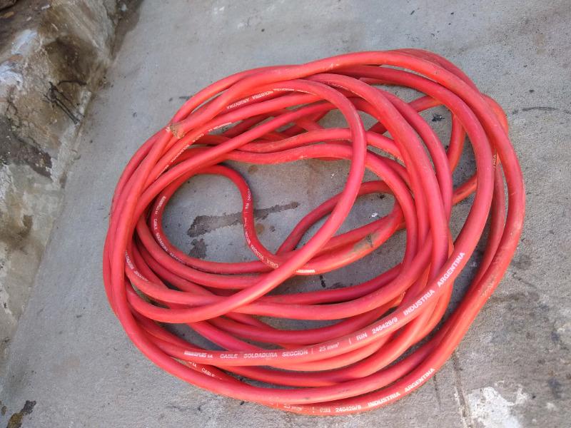 Vendo 13 metros de cable rojo soldadura sección