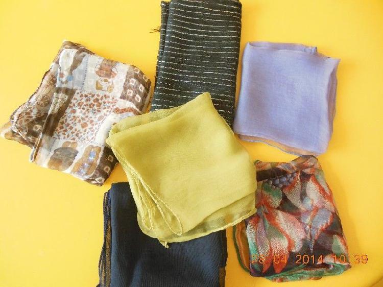 Pañuelos de gasa (5) y una bufandita de gasa, TODO $ 150