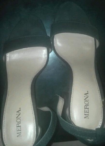 Sandalias negras n° 37