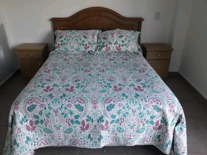 Somier camas y colchones vendo urgente