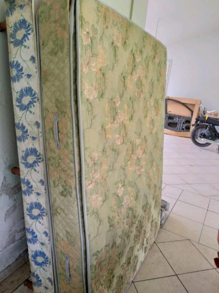 Sommier y colchón belmo de 2 plazas usado