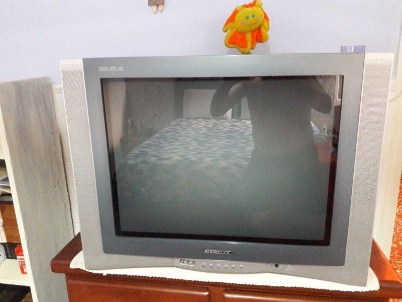 """VENDO TELEVISOR DE 29"""" ADMIRAL PANTALLA PLANA IMPECABLE"""