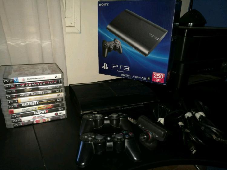 PS3 super slim 250 gb