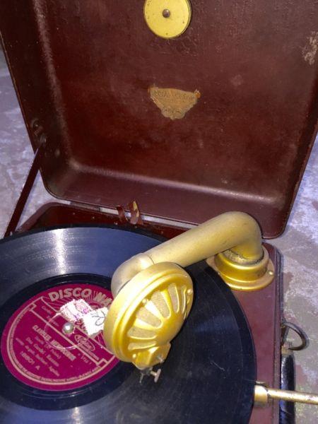 vitrola RCA portátil metálica, 2da guerra mundial,