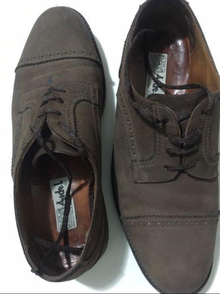 zapato de vestir gamuza