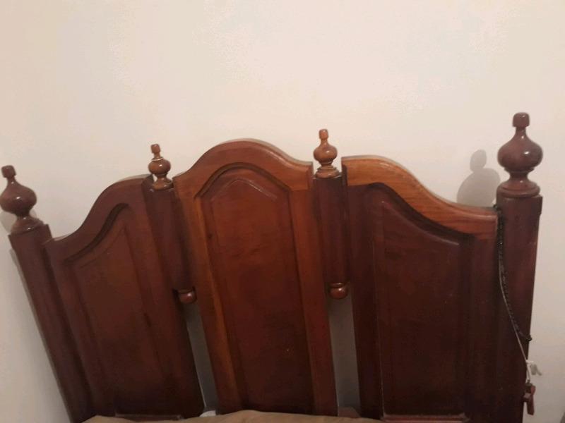 Juego de dormitorio de cedro