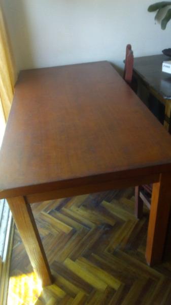 Mesa de madera maciza+ 2 sillas (opcional)