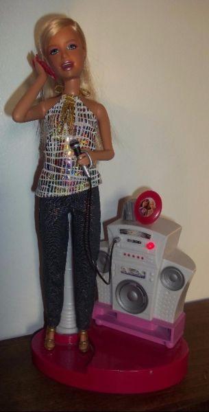 Muñeca Barbie Chat Divas MP3 habla canta mueve la boca