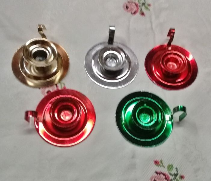 Set de 5 portavelas de metal de varios colores