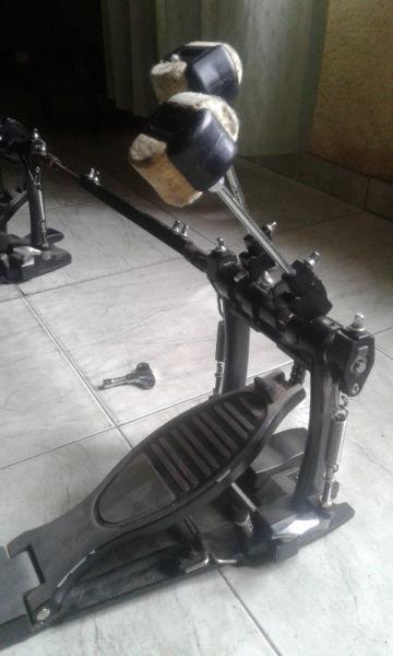pedal doble maza bateria y set de platillos