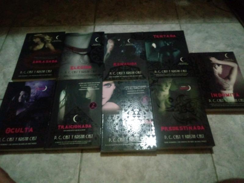 Coleccion de 9 libros de la serie de P. C. Kristin Cast