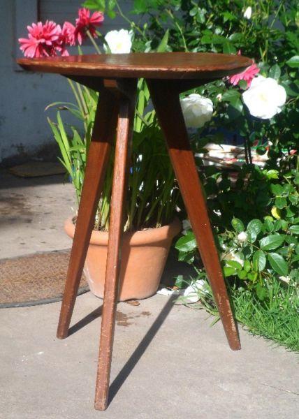 Mesa alta ratona rinconera escandinava diseño retro vintage