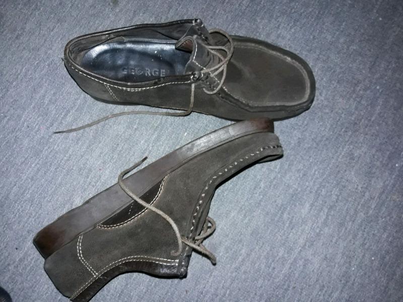 Vendo zapatos de hombre de nobuk color marrón