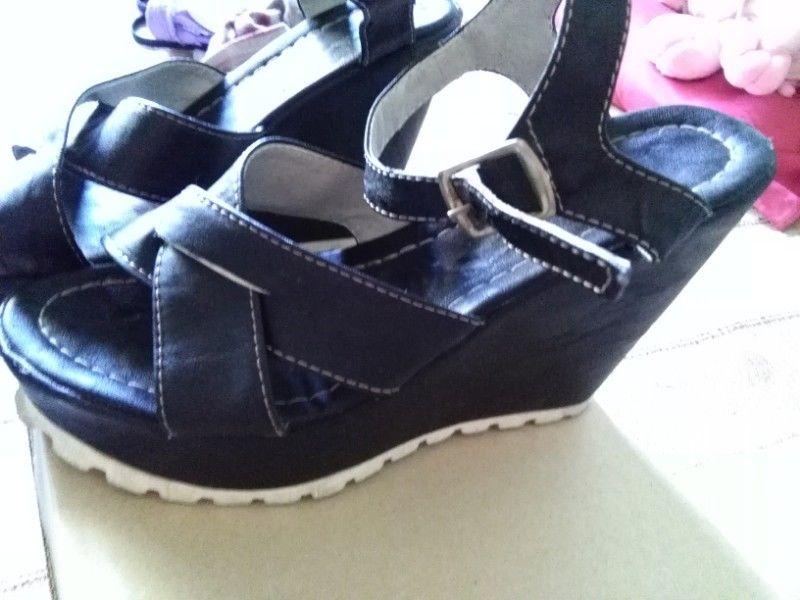 Zapatos negros taco chino