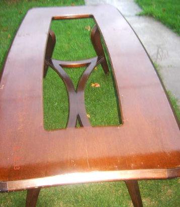 magnifica mesa de comedor unica por su diseño retro vintage