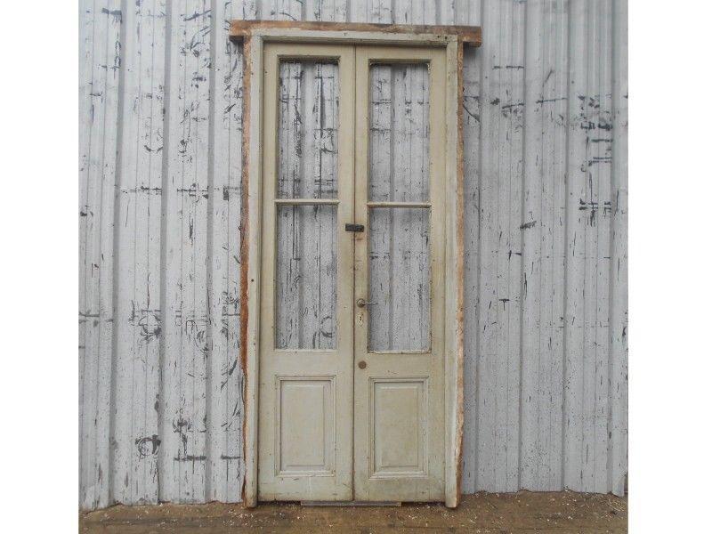 Dos antiguas puertas de madera cedro a dos hojas (119x259cm)
