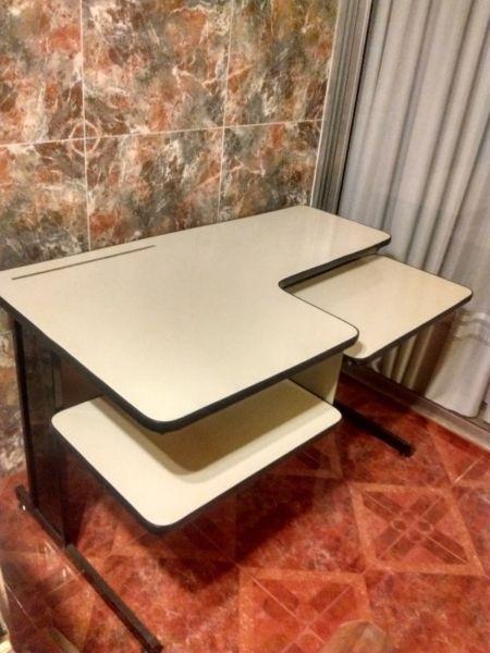 Mesa Escritorio para Computadora
