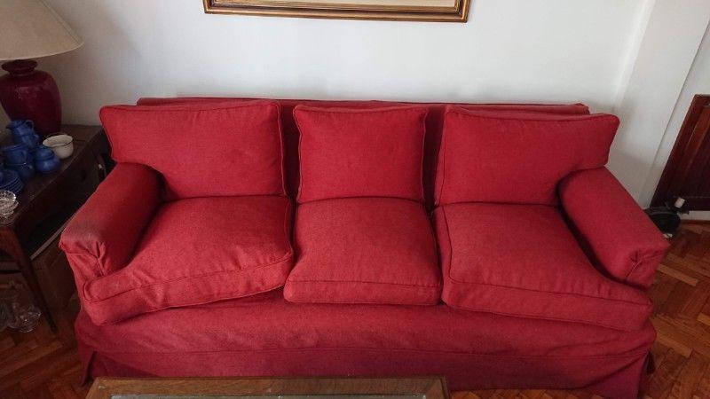 Sillon 3 cuerpos con funda color rojo la original es color