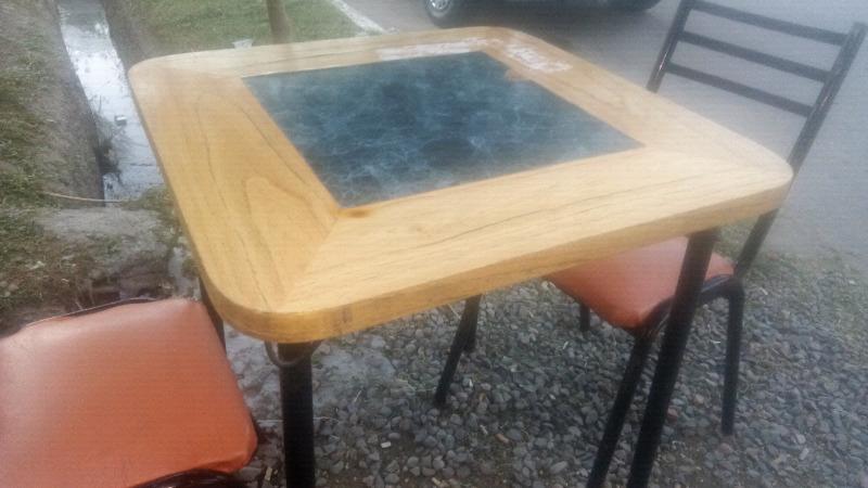 Vendo 5 mesas para bar de 70 x 70