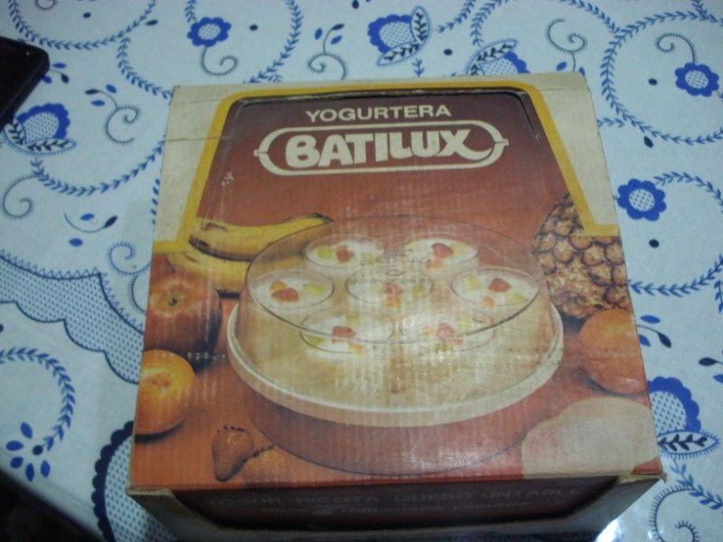 "YOGURTERA ""BATILUX"" EN SU CAJA ORIGINAL"