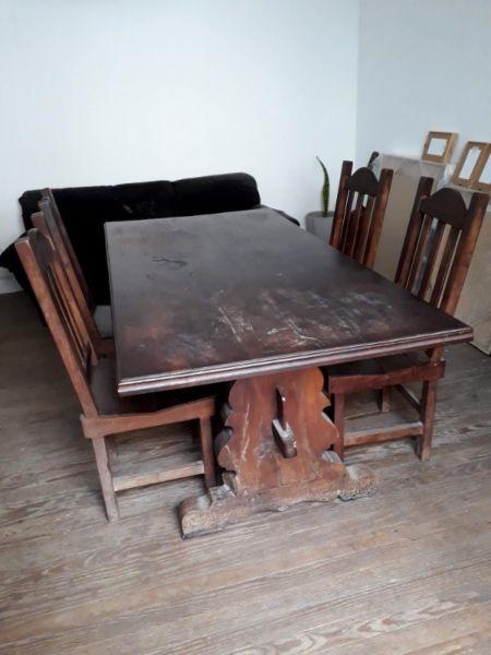 mesa y sillas de algarrobo