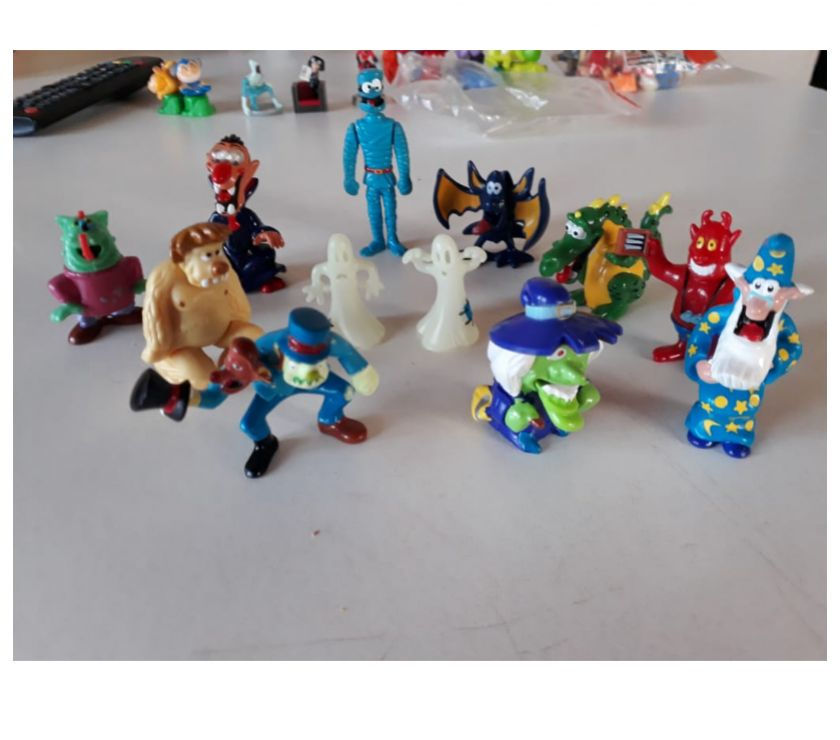 muñecos kinder sorpresa $ 35