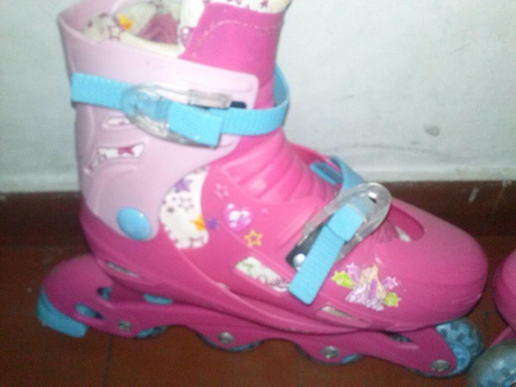 roller infantiles de Barbie originales, con rodilleras de