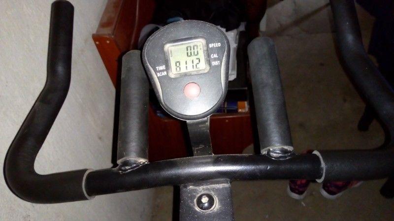 Vendo bici spinning como nueva marca olmos