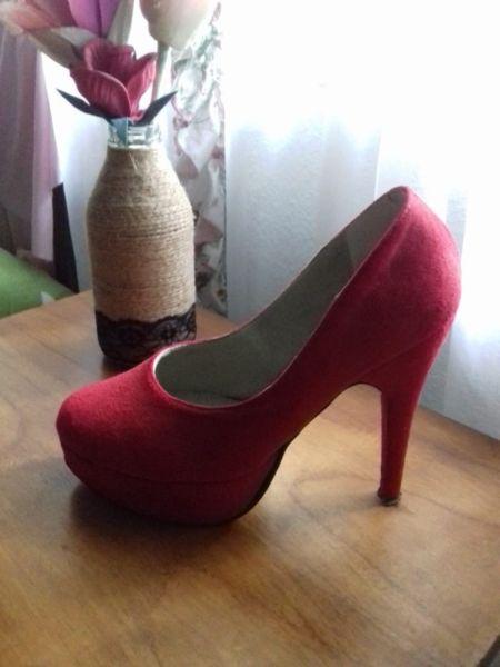 Zapatos Stilletos de Gamuza Talle 37