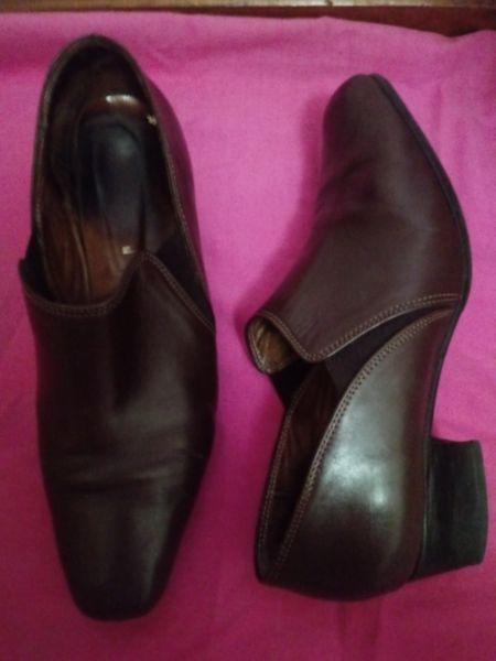 Zapatos de cuero marrón talle 39. Oferta. Poco uso.